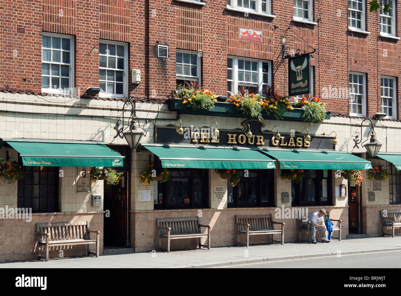 The Hour Glass, Brompton Road, London - Stock Image