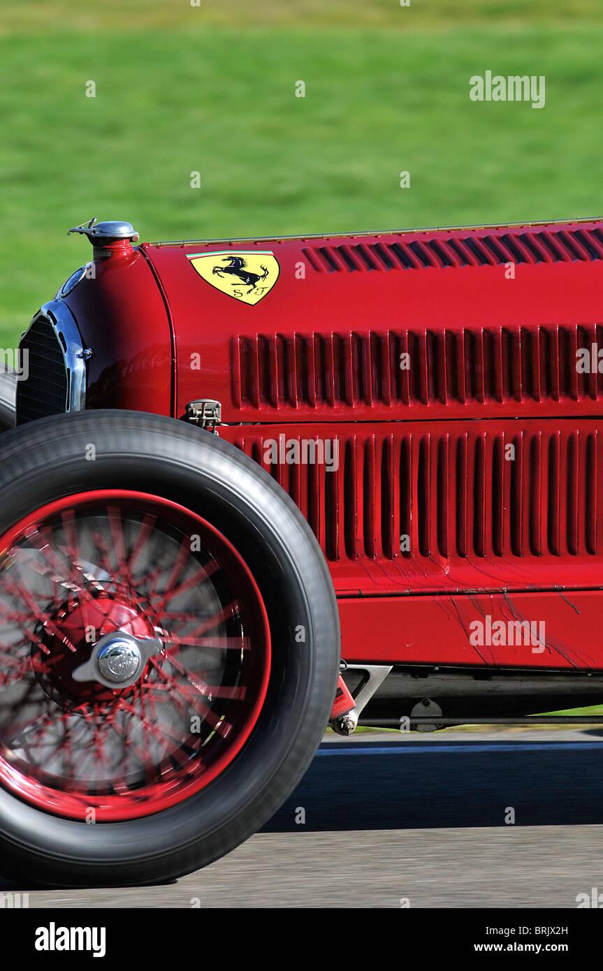 Front Of A Vintage Alfa Romeo Racing Car Brjx H on Alfa Romeo Spider Trunk Lid