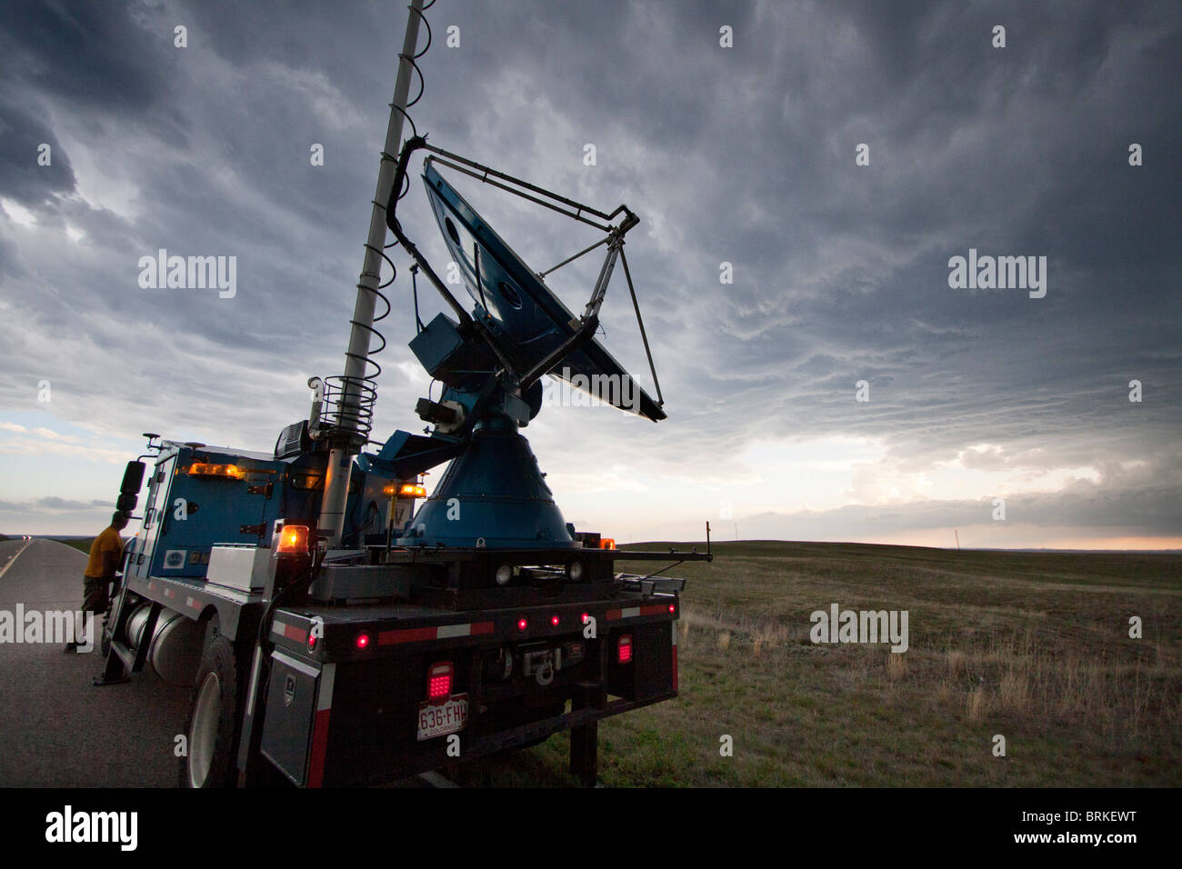 A Doppler on Wheels truck scans a supercellular thunderstorm in rural Wyoming, May 21, 2010. - Stock Image