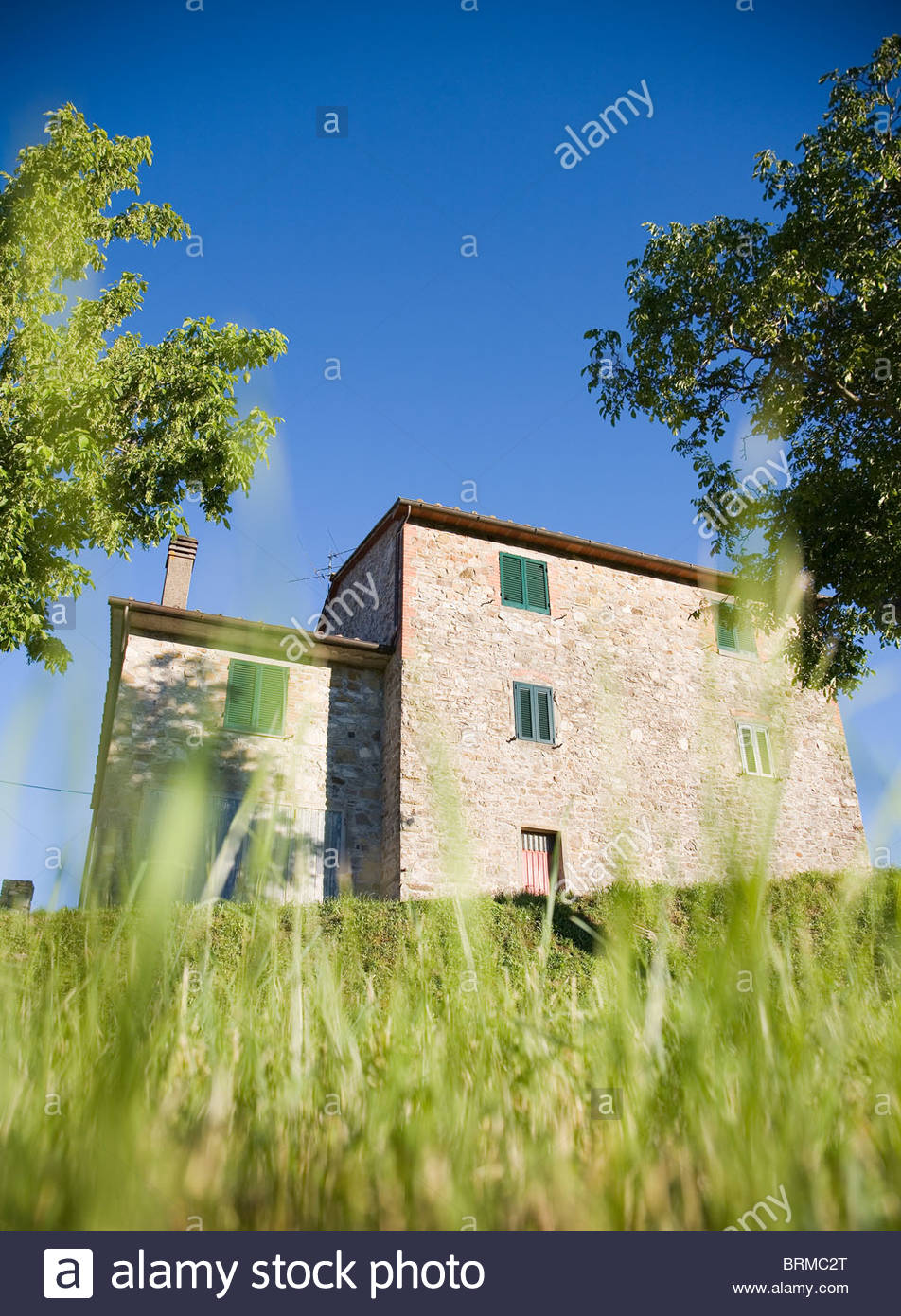 Farm building in countryside, Italy - Stock Image