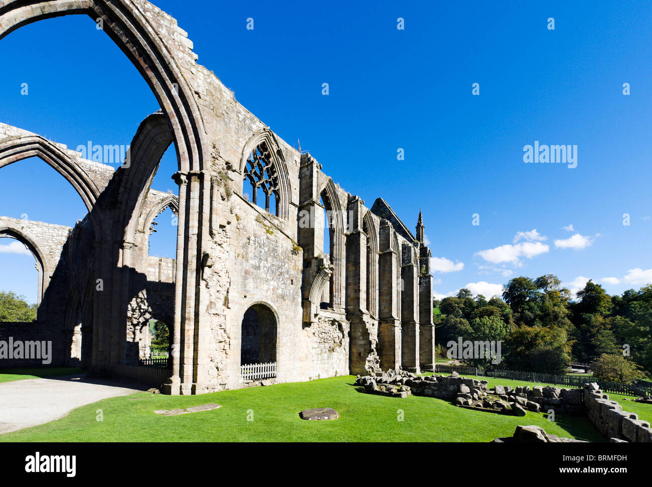 Bolton Priory, Bolton Abbey, Wharfedale, Yorkshire Dales, North Yorkshire, England, UK - Stock Image