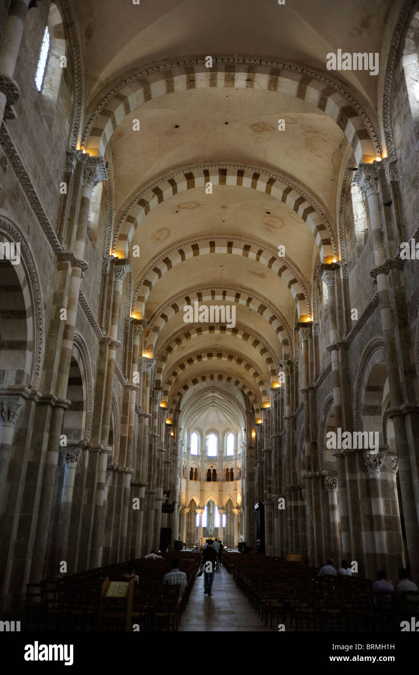 Vezelay,Basilica St Magdelene,Sainte-Marie-Madeleine,UNESCO world Heritage,Way of St James to Santiago de Compostela,Yonne,Burgu - Stock Image