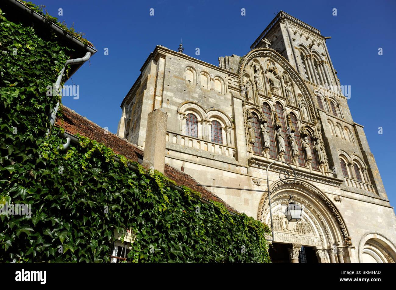 Vezelay,Tympanum of Basilica St Magdelene,Sainte-Marie-Madeleine,UNESCO world Heritage,Way of St James to Santiago Stock Photo