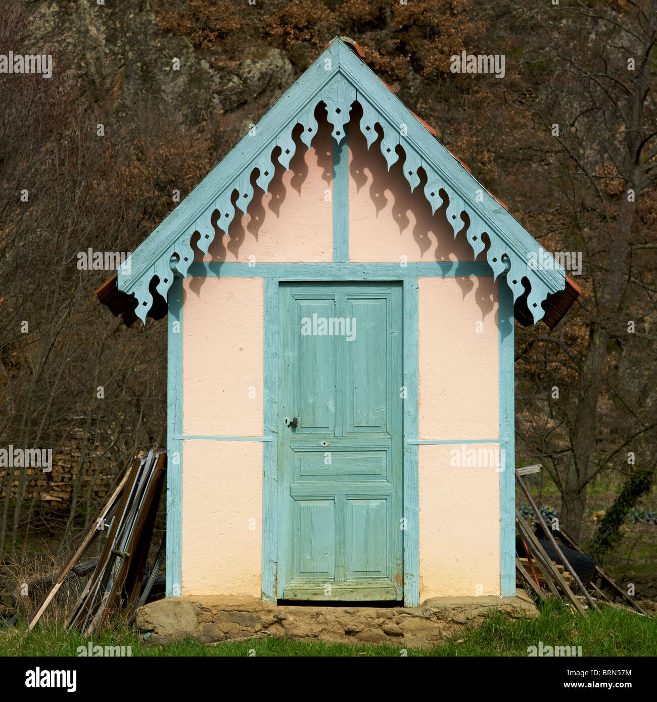 Pretty garden shed - Stock Image