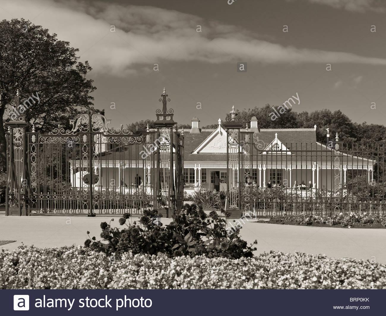 Ashton Gardens Gates & Pavilion (St George's Road/Garden Street Entrance), St Annes, Lytham St Annes, Lancashire, - Stock Image