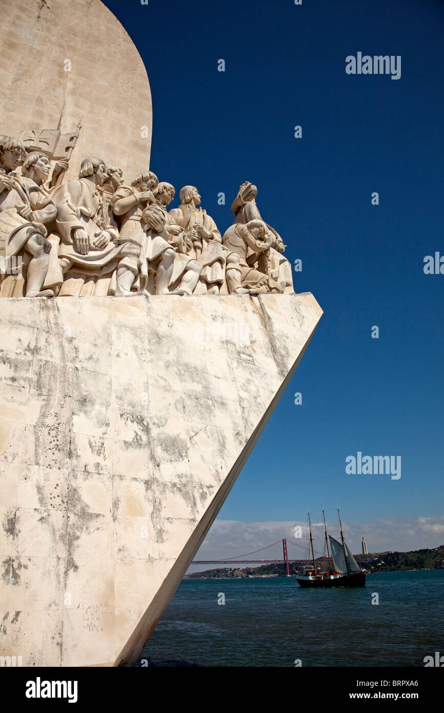 Monumento a los descubridores Lisboa Portugal Monument to the Discoveries Lisbon Portugal - Stock Image