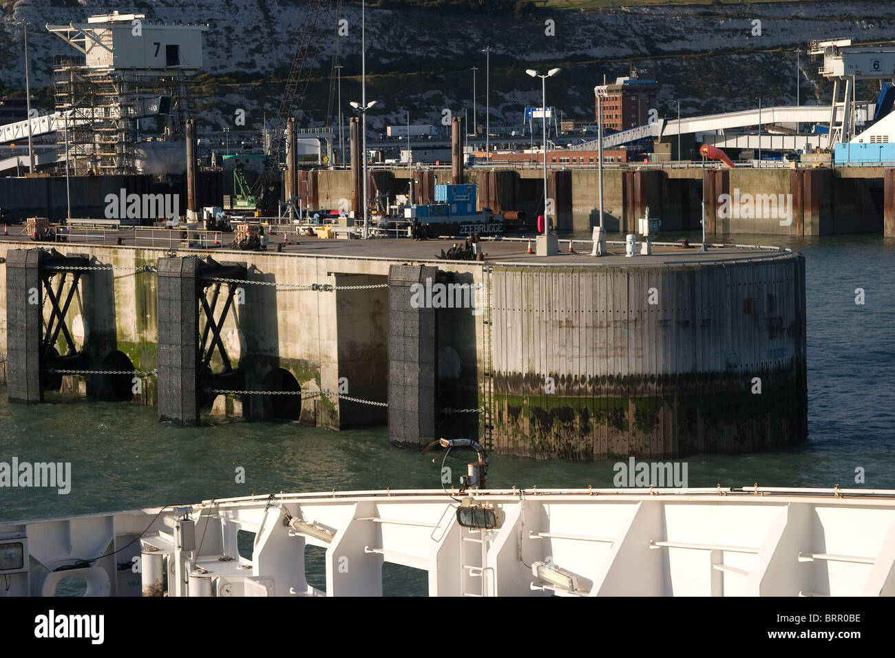 embarkation point dover docks port ferry mooring - Stock Image
