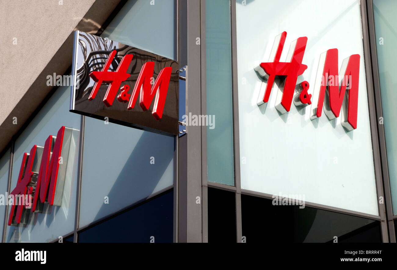 Branch of H & M fashion stores, London - Stock Image