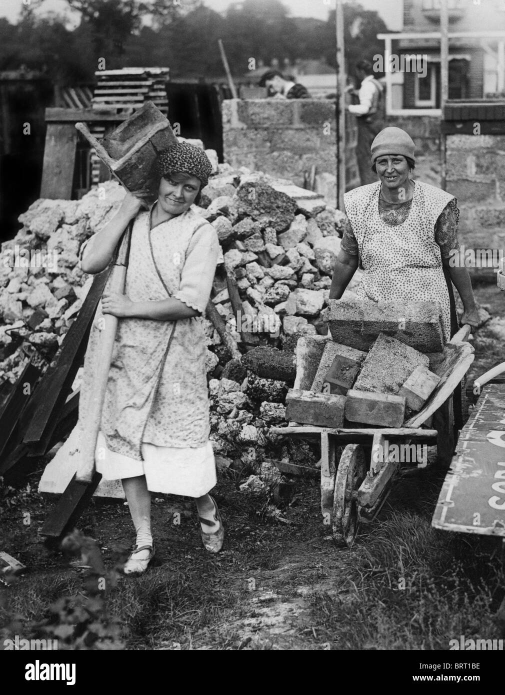 Truemmerfrauen, literally wreckage women, historic photograph, around 1947 - Stock Image