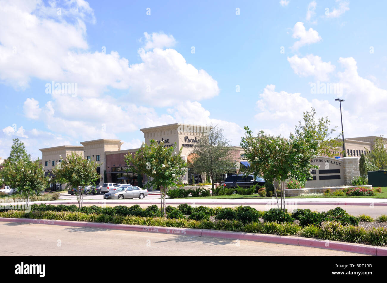 Shopping Plaza And Restaurants In Plano Texas Usa Stock
