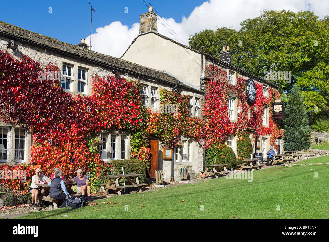 The Lister Arms hotel and pub, Malham, Wharfedale, Yorkshire Dales, England, UK - Stock Image