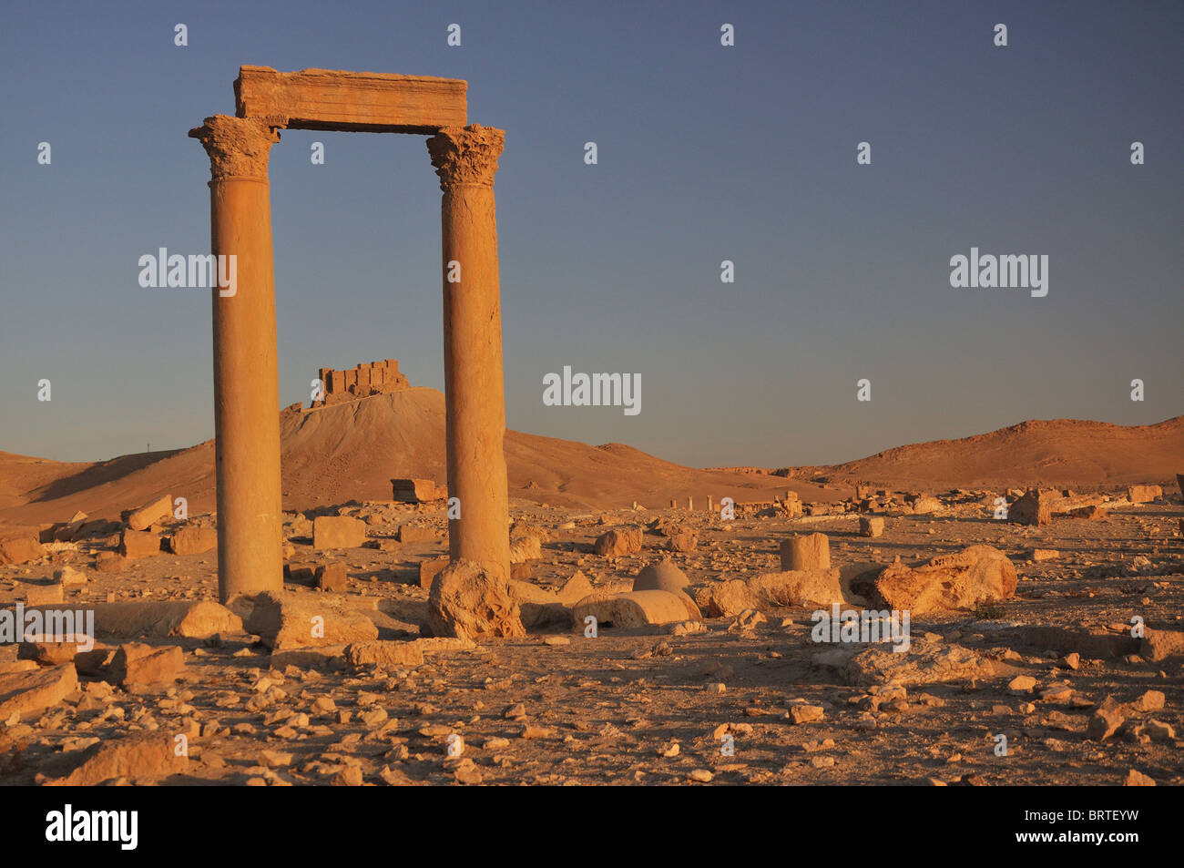 Fakhr-al-Din al-Ma'ani Castle or Palmyra Castle is a castle on a high hill overlooking the site of Palmyra - Stock Image