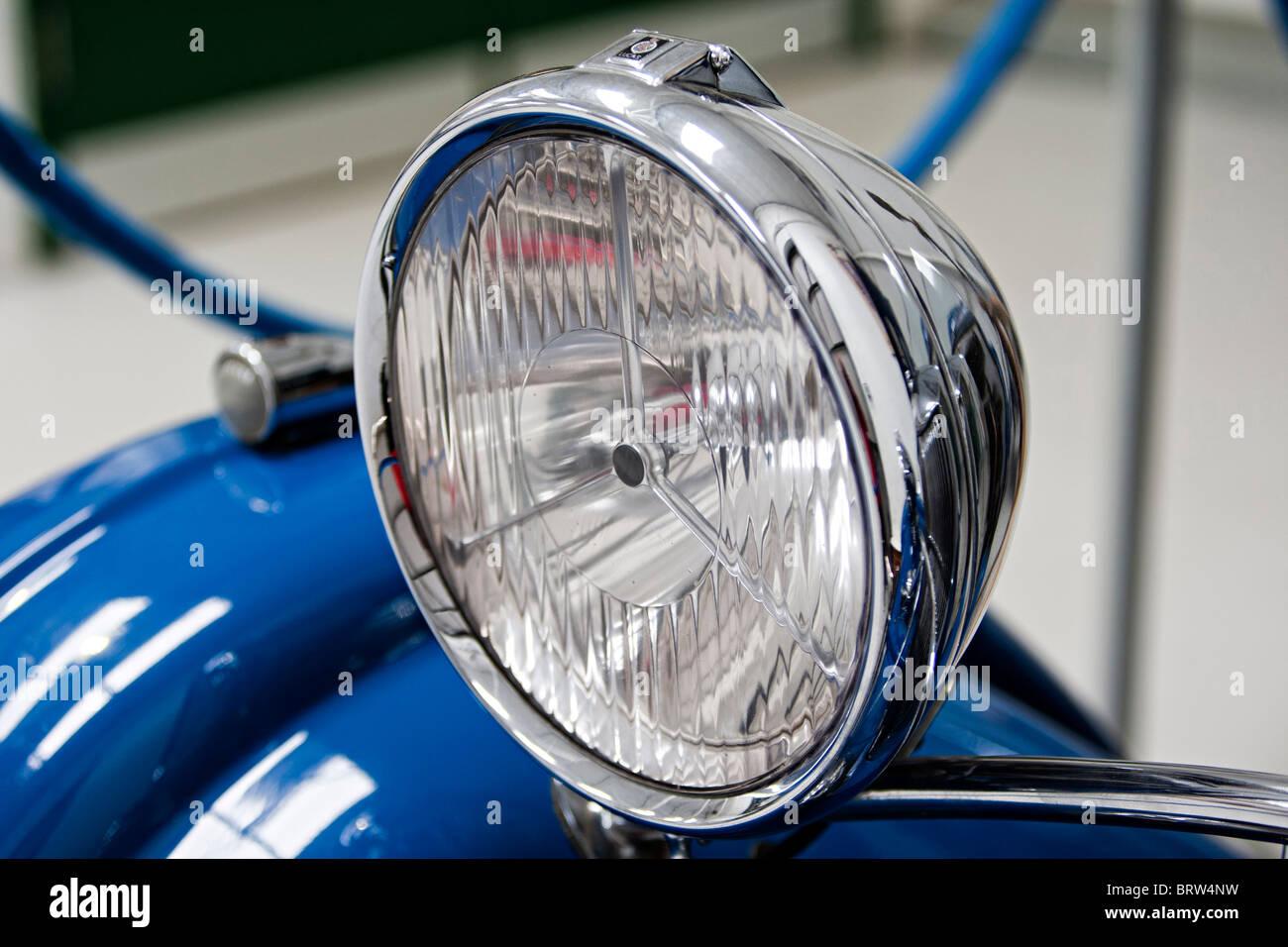 Car headlamp on old classic British car - Stock Image