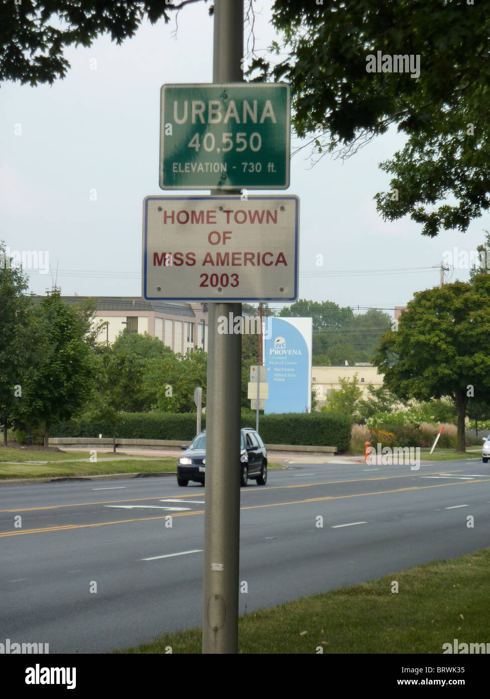 Urbana Illinois road sign 'Home town of Miss America 2003' - Stock Image