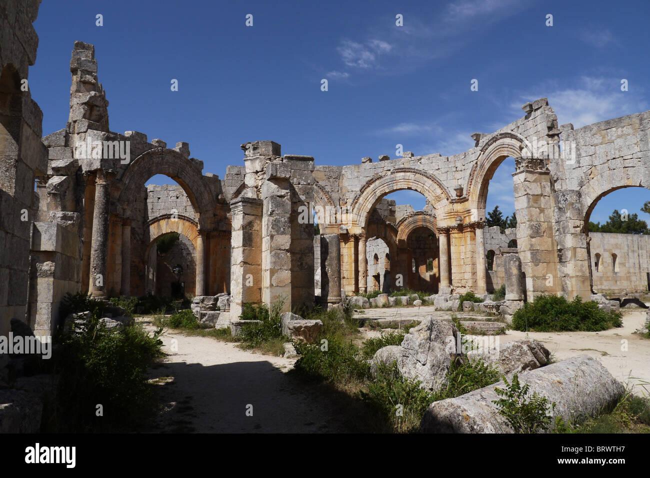 SYRIA Qala'at Samaan (Saint Simeon) ruined basilica near Aleppo. PHOTOGRAPH by Sean Sprague - Stock Image