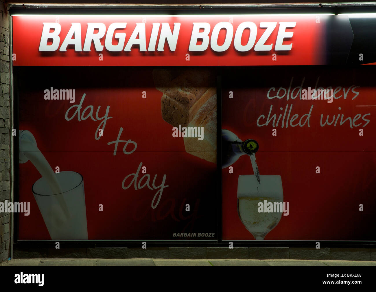 Shop sign: Bargain Booze - Stock Image