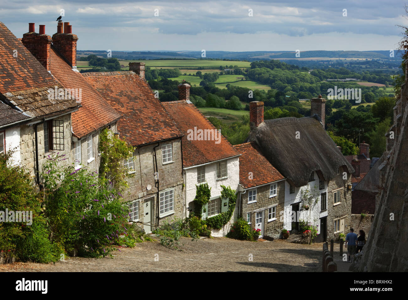 Gold Hill with traditional cottages - Stock Image