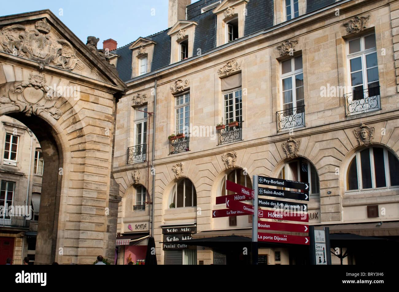 18th Century Arch Of The Porte Dijeaux Bordeaux France Stock Photo