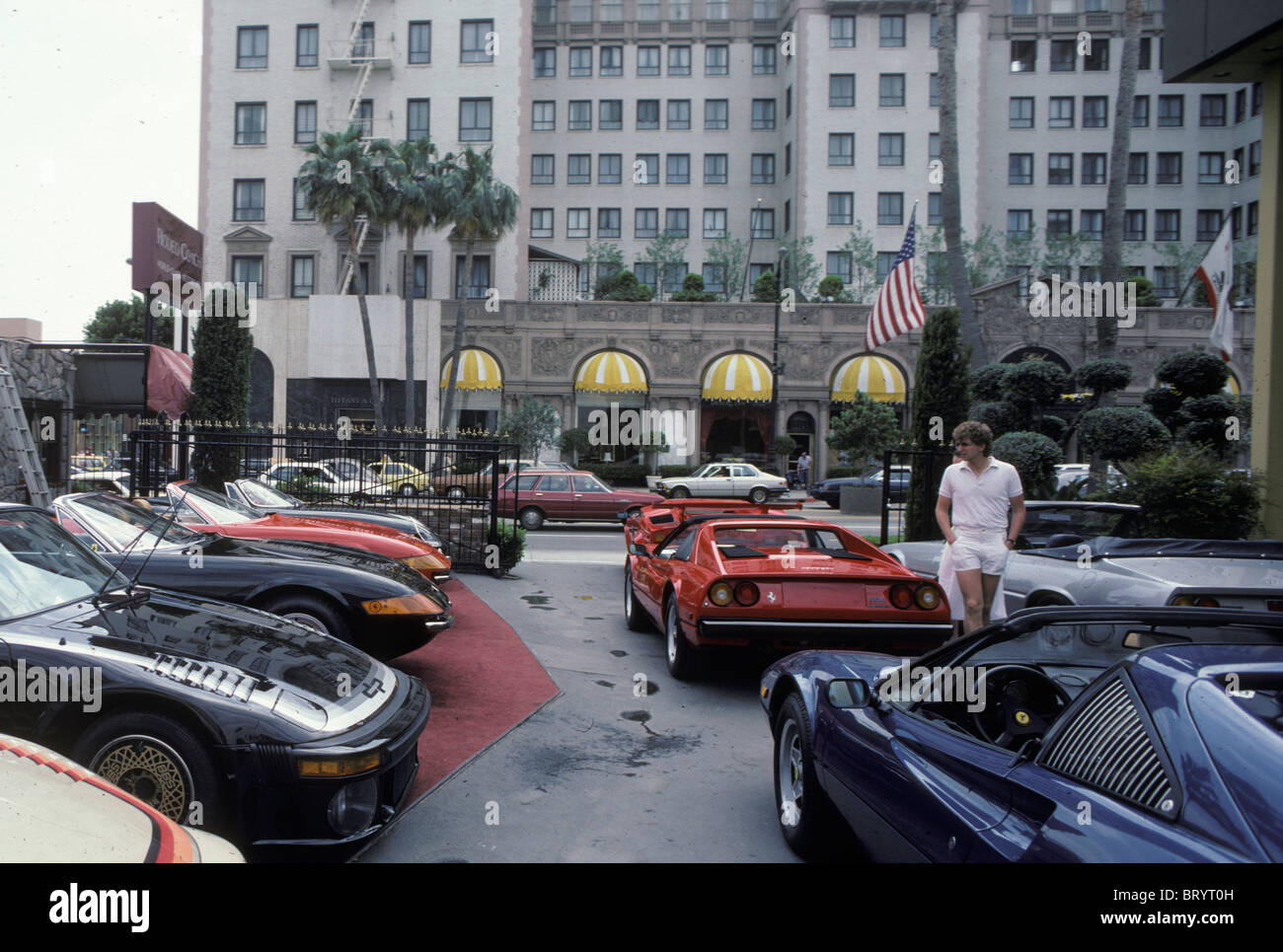 Ferrari Dealer Showroom And The Beverly Wilshire Hotel In Beverly Stock Photo Alamy