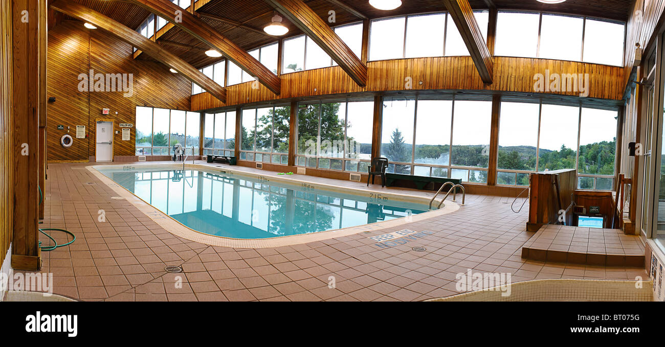 empty swimming pool indoor inside hotel resort Stock Photo: 31967756 ...