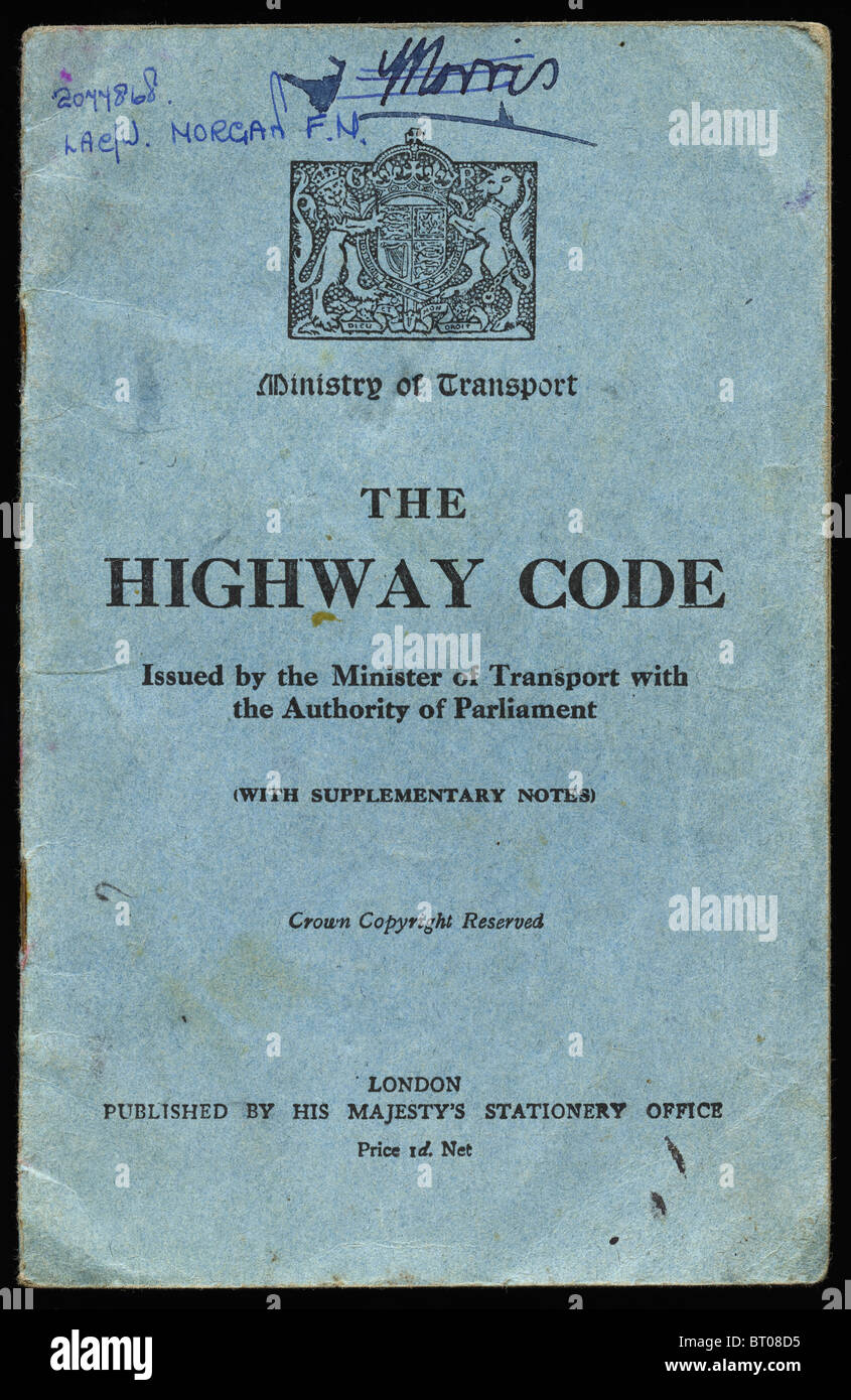 Highway Code booklet circa 1940 war time issue by Ministry of Transport published by Her Majesty`s Stationery Office - Stock Image