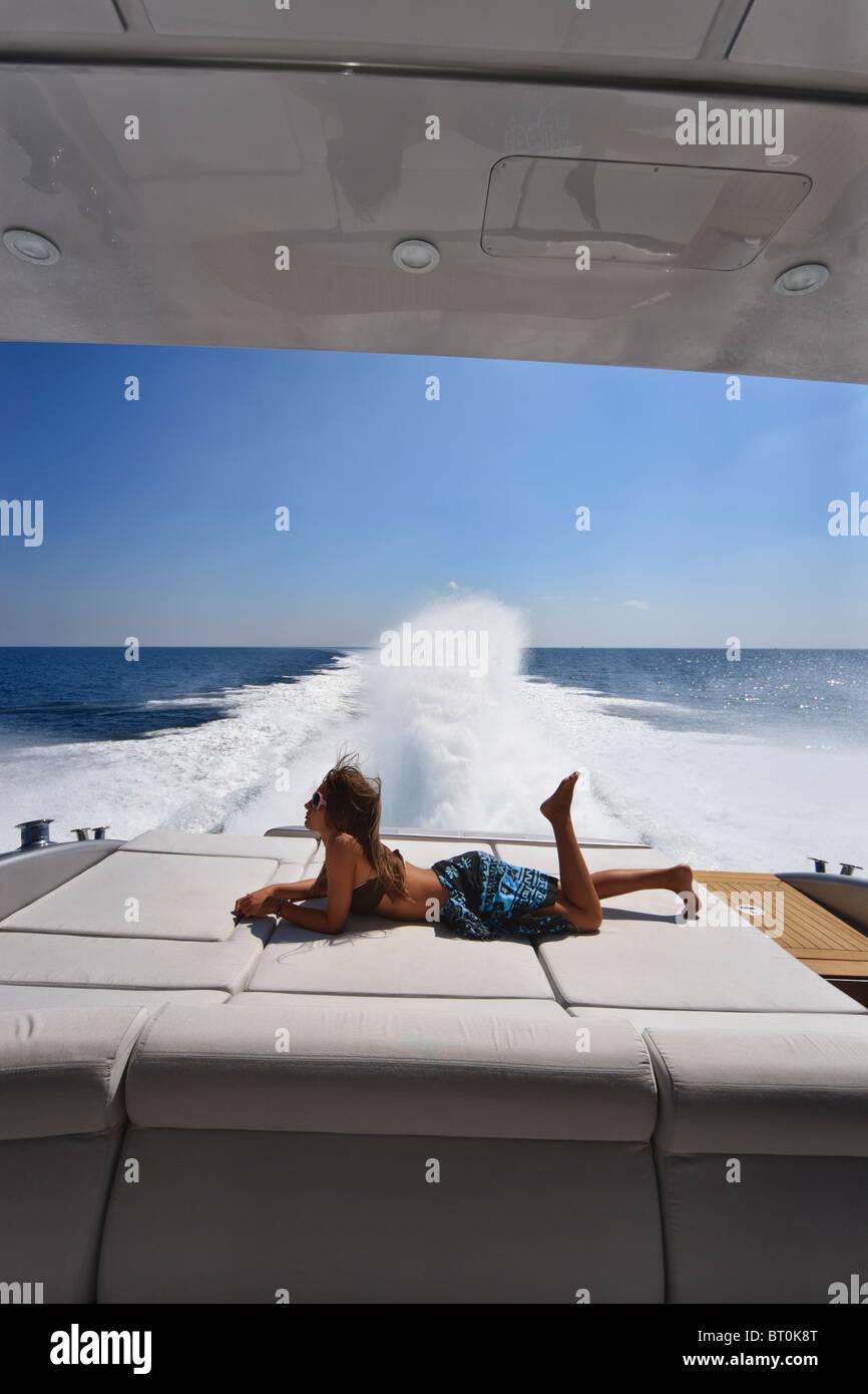 ITALY, Lazio, Tirrenian sea, off the coast of Fiumicino/Rome, luxury yacht Alfamarine 60' at full speed - Stock Image