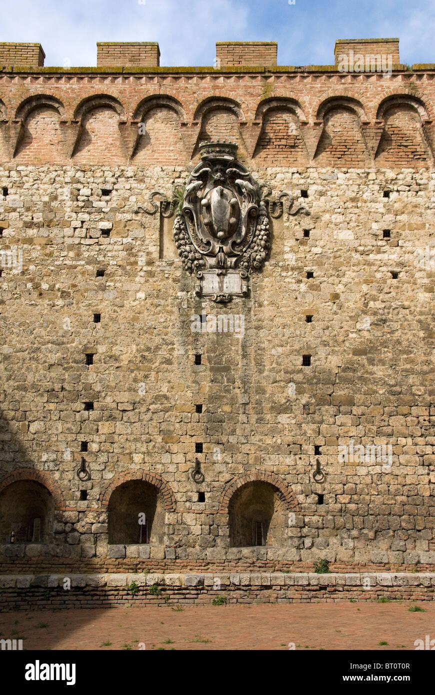 Medici Sheild in Porta Romana Siena - Stock Image