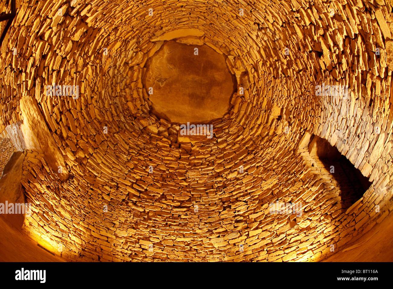 Conjunto megalítico Dolmen El Romeral Antequera Málaga Andalucía España Megalithic Dolmen Romeral - Stock Image