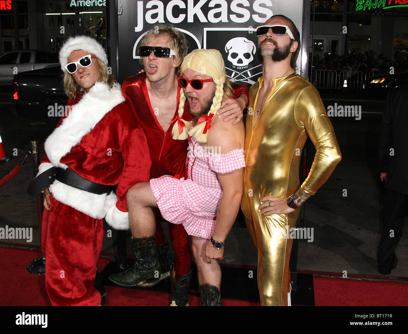 JACKASS GUESTS JACKASS 3D PREMIERE HOLLYWOOD LOS ANGELES CALIFORNIA USA 13 October 2010 - Stock Image
