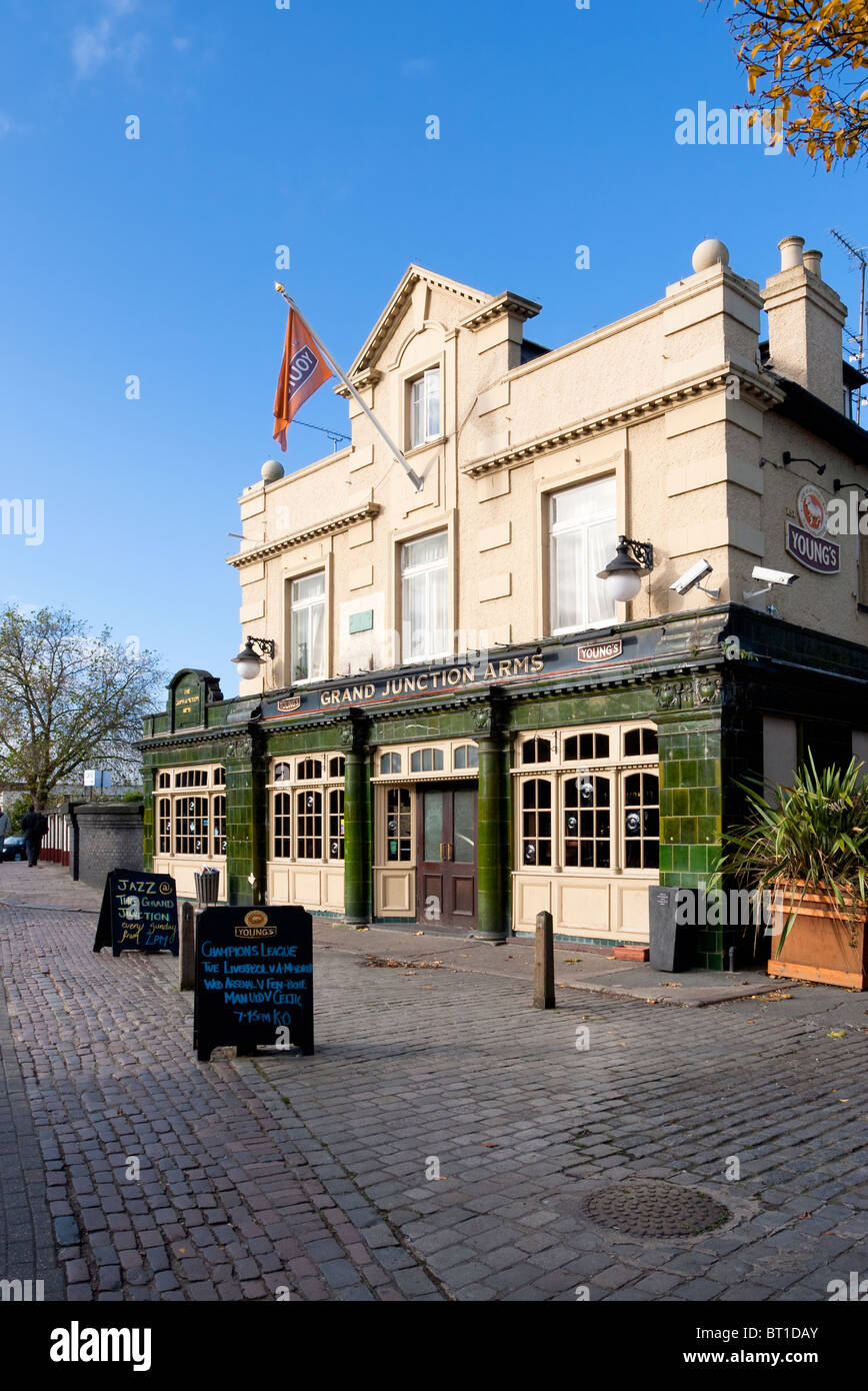 England London Harlesden Grand Junction Arms public house on Acton Lane - Stock Image