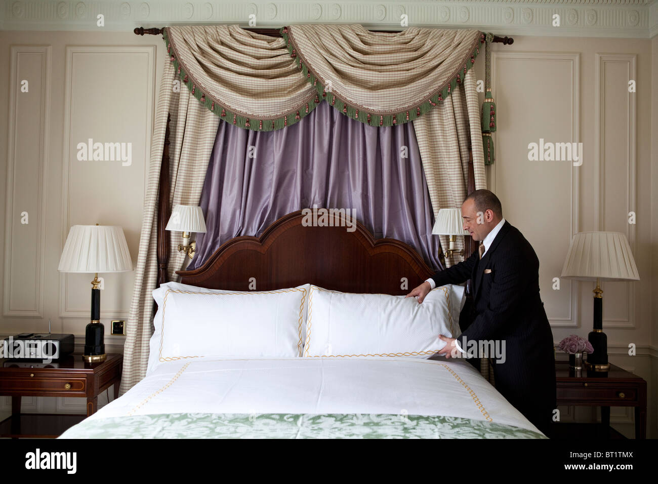 Savoy Hotel in London. Reopened in October 2010 after a complete refurbishment. Photos show a Butler in a River - Stock Image