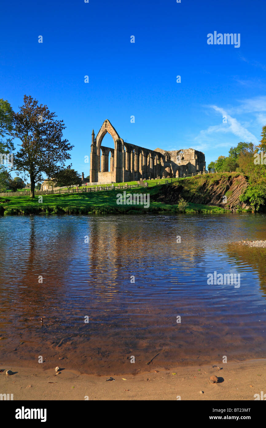 Bolton Priory and River Wharfe, Bolton Abbey, Yorkshire Dales National Park, North Yorkshire, England, UK. Stock Photo