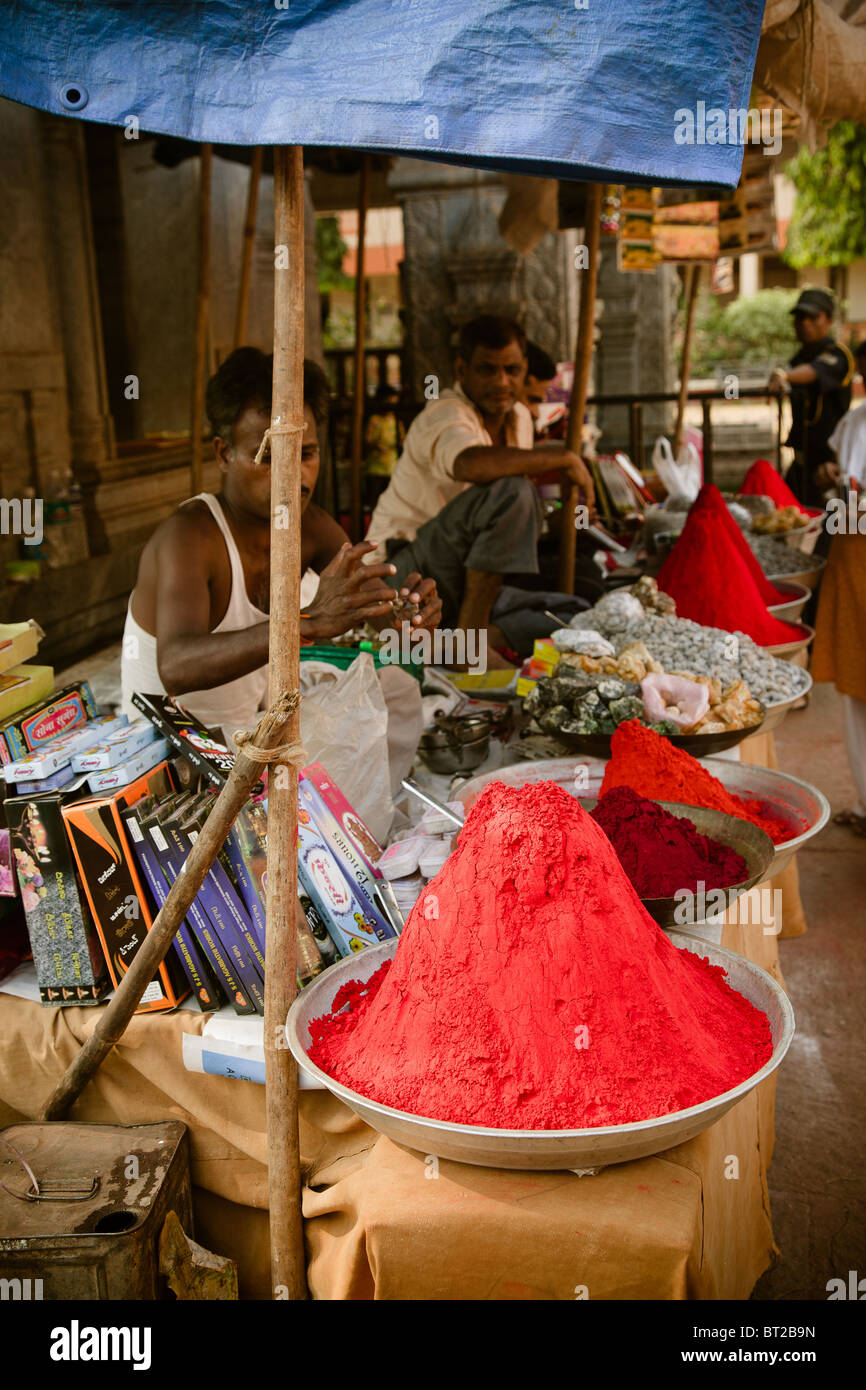 Editorial photo of Indian traders of powder perfume. India, Goa - Stock Image