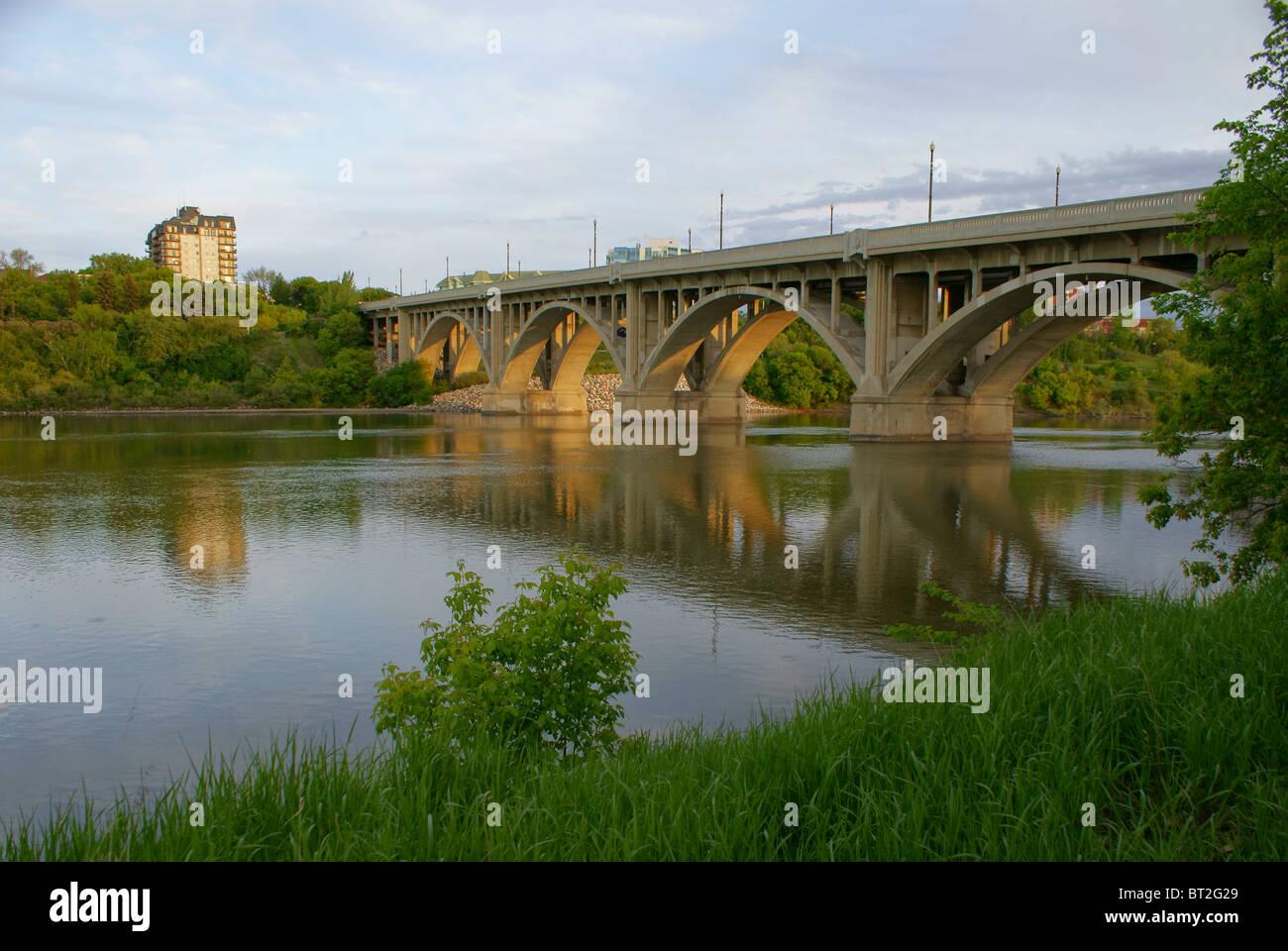 1932 Broadway Bridge landmark in Saskatoon, Saskatchewan, vehicle concrete arch Dean's Bridge spanning South - Stock Image