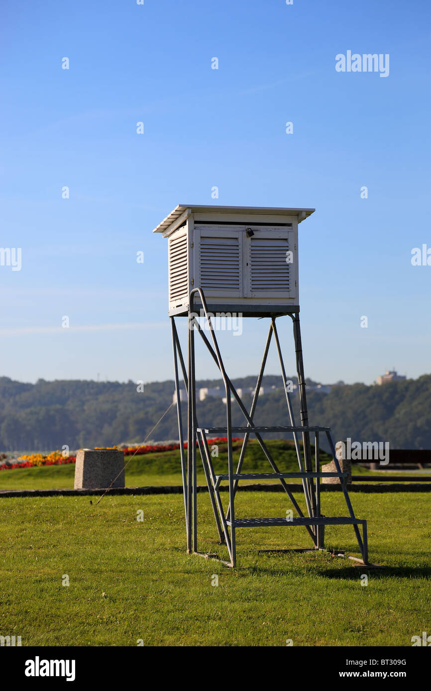 Meteorological station on the background of grass. - Stock Image