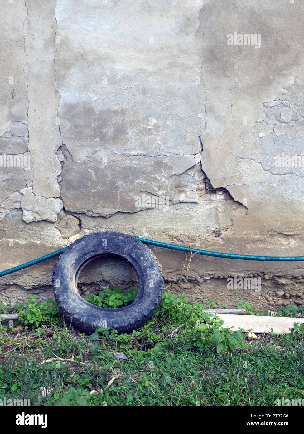 Abandoned car tire - Stock Image