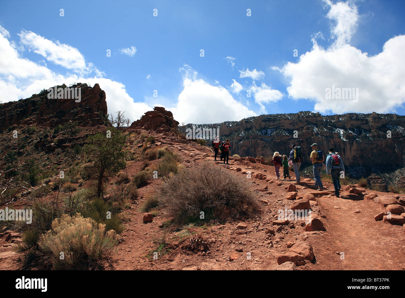 Hikers on the Kaibab Trail in the Grand Canyon - Stock Image