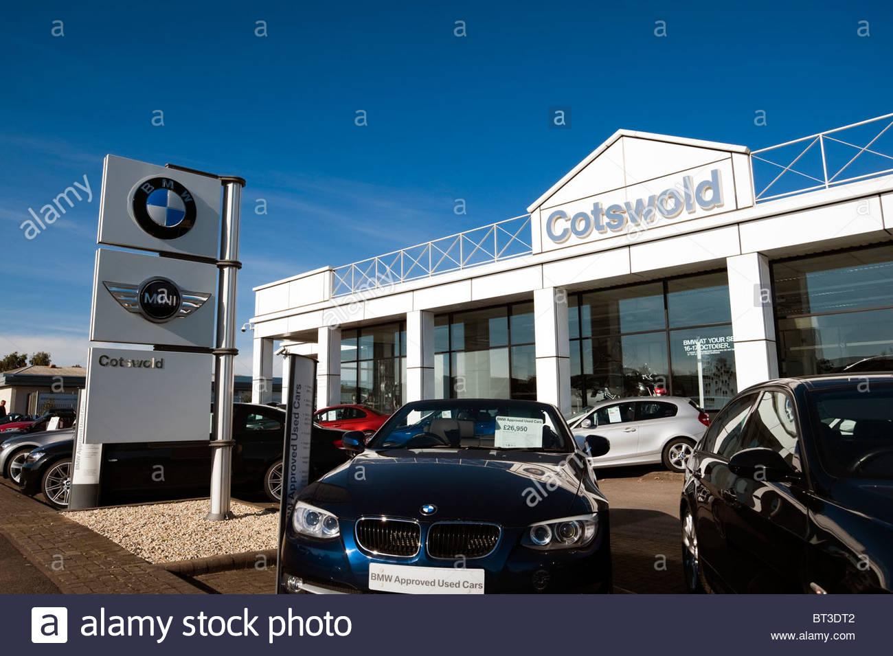 bmw mini cotswold car dealership in cheltenham uk used bmw cars on stock photo 32038834 alamy. Black Bedroom Furniture Sets. Home Design Ideas