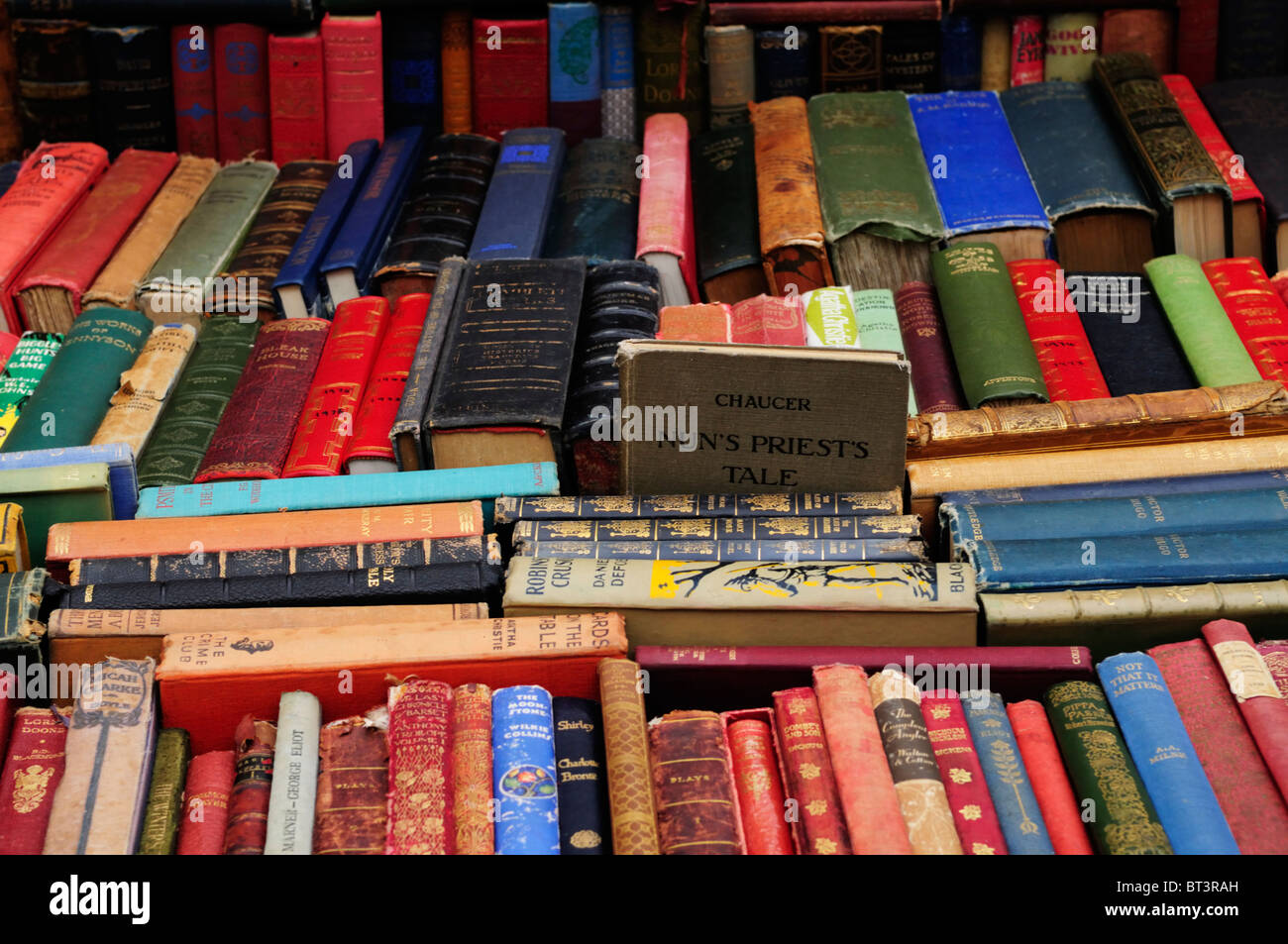 Secondhand book stall on Portobello Road Market, Notting Hill, London, England, Uk - Stock Image