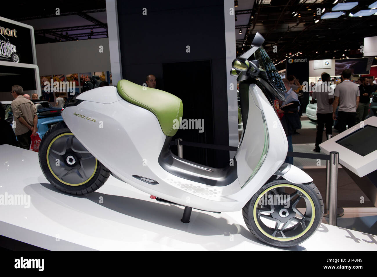 SMART electric scooter on display at Paris Motor Show 2010 - Stock Image