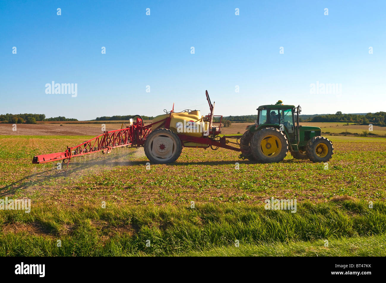 glyphosate spraying stock photos glyphosate spraying stock images rh alamy com Hardi Sprayer Parts List Hardi ES30 Sprayer