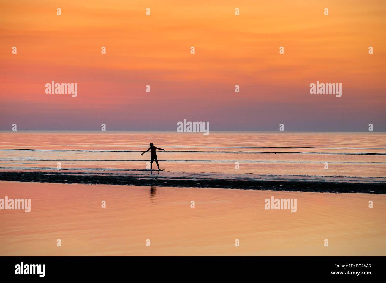 Boogie boarding, Skaket Beach, Orleans, Cape Cod, Massachusetts - Stock Image