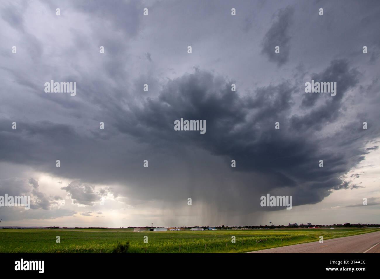 A thunderstorm fires up near Pickstown, South Dakota, USA, June 3, 2010. - Stock Image