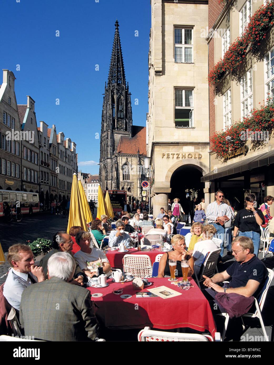 D-Muenster, Westphalia, Muensterland, North Rhine-Westphalia, Prinzipal Market Place, gable houses, archways, Saint - Stock Image