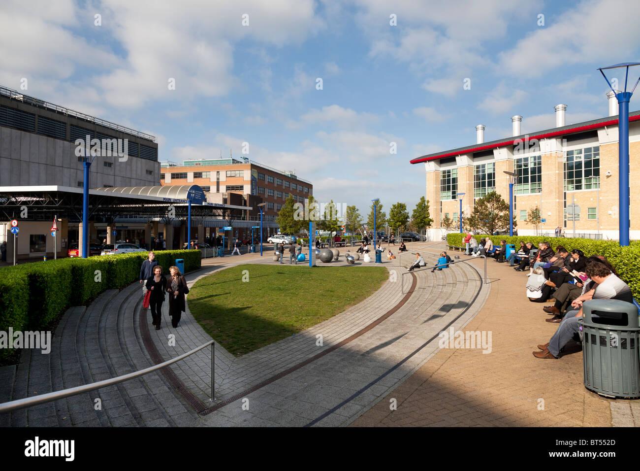 Main entrance to Southampton General Hospital University NHS Trust - Stock Image