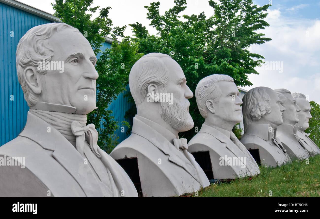 White concrete sculptures of US Presidents, at David Adickes Sculpturworx Studio in Houston, Texas, USA - Stock Image