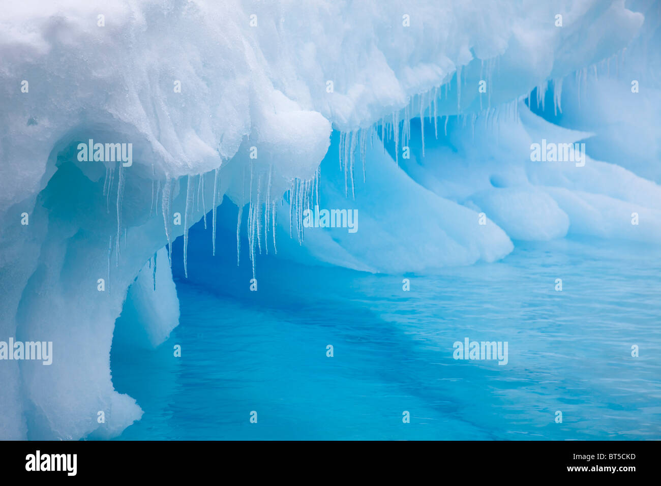 Large floating icebergs near Brown Bluff, Northern tip of the Antarctic Peninsula. - Stock Image