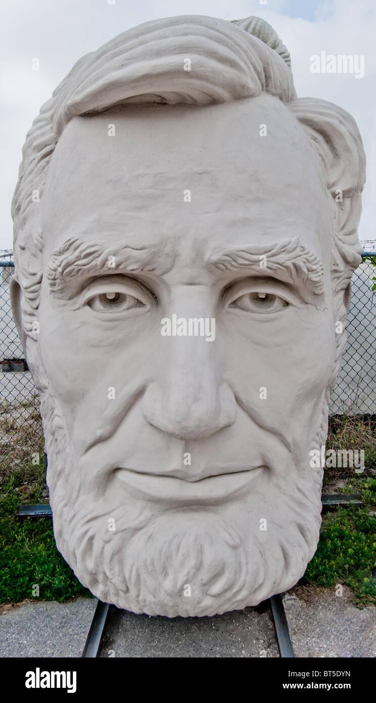 White concrete sculpture of Abraham Lincoln (16th US President) at David Adickes Sculpturworx Studio in Houston, Texas, USA Stock Photo
