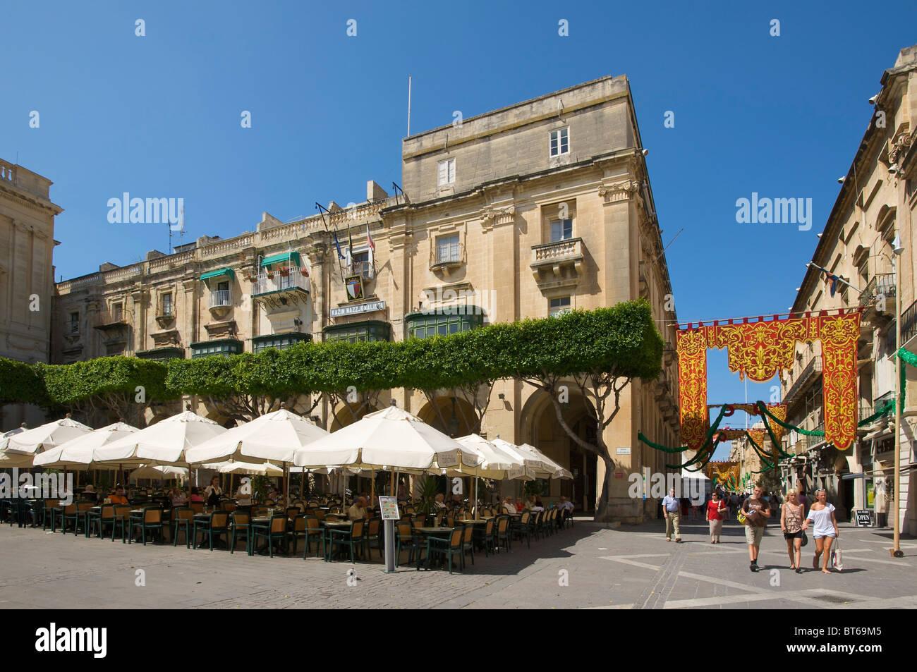 Street Cafe in Valletta, Malta - Stock Image