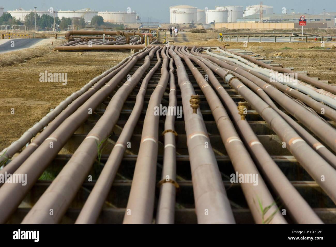 Oil pipelines in Bahrain - Stock Image